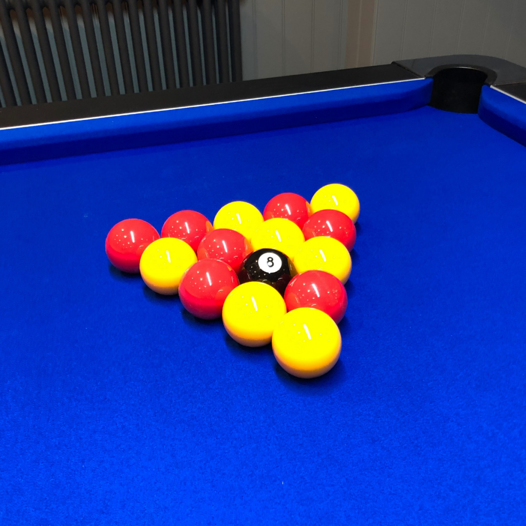 Junction pool table