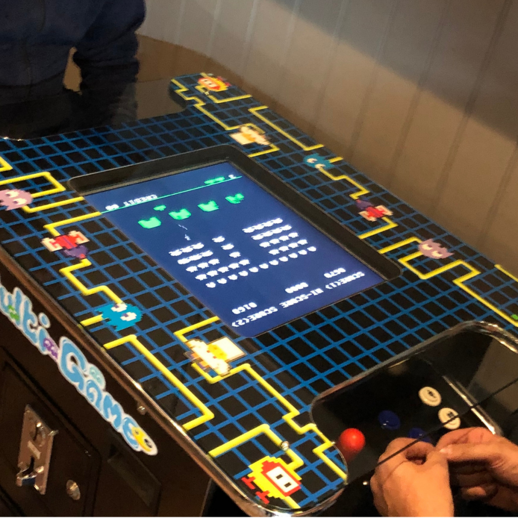 Junction Retro games table